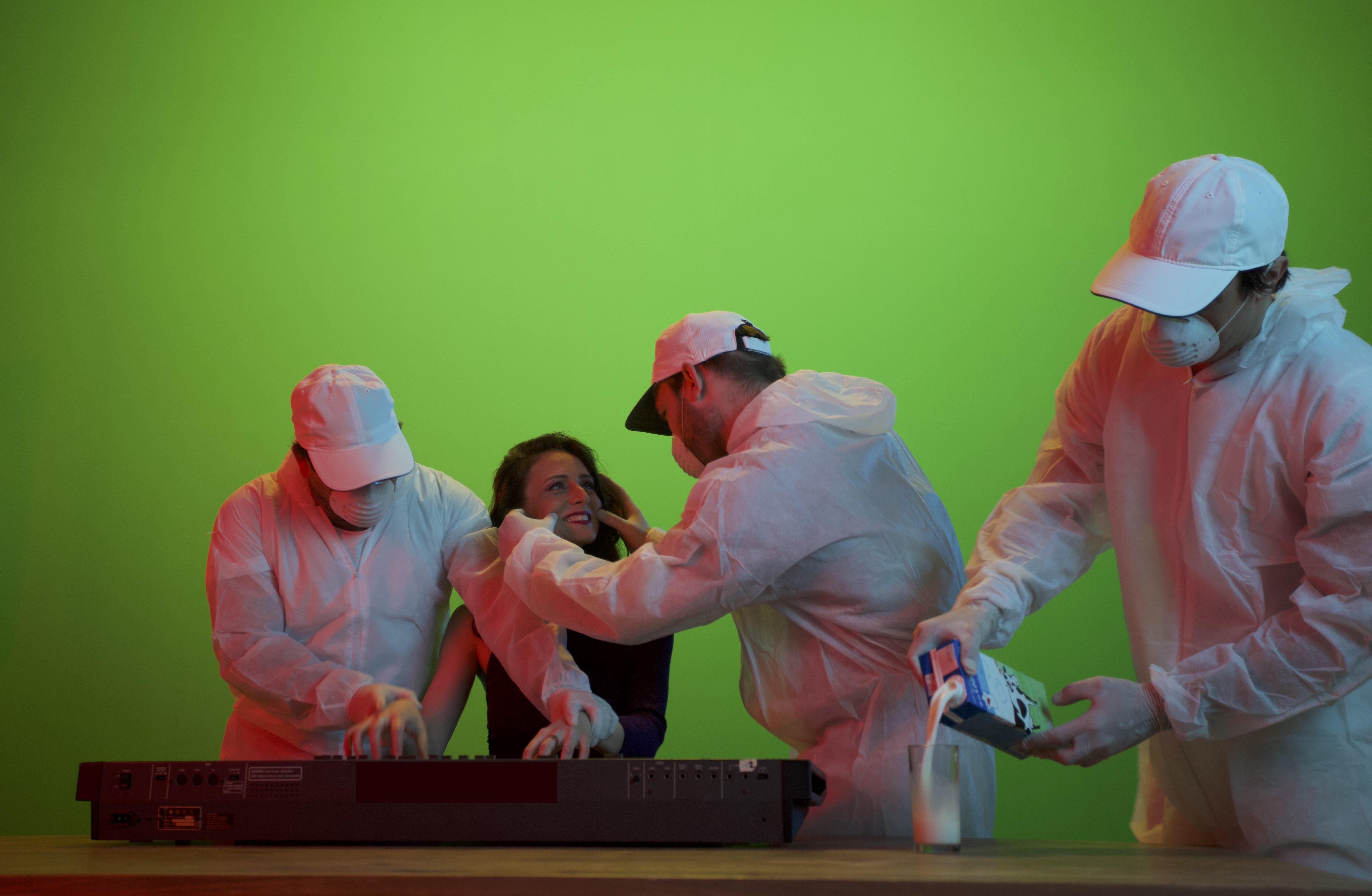"""Sôliz : coulisses du clip """"Nuage Ravage"""" par Simon Picazos fond vert, comédiens, chanteuse)"""